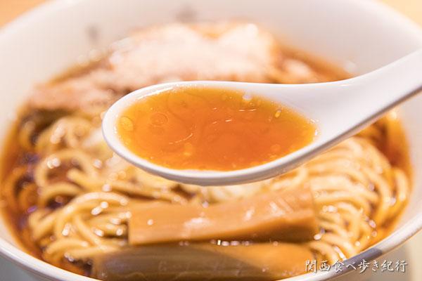 らーめん原点の醤油スープ