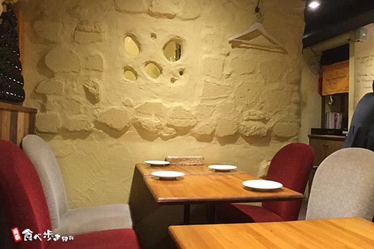 北新地のシャンパン食堂