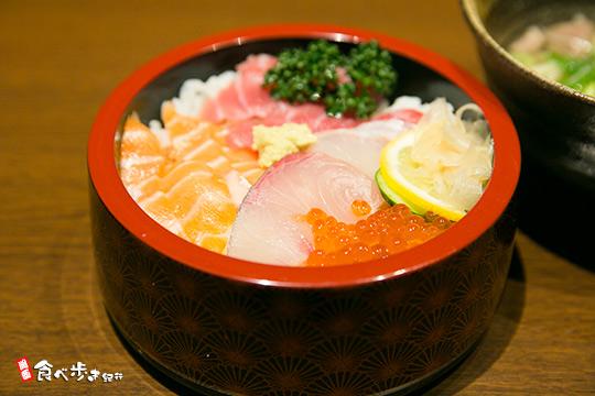 衣川 5色丼