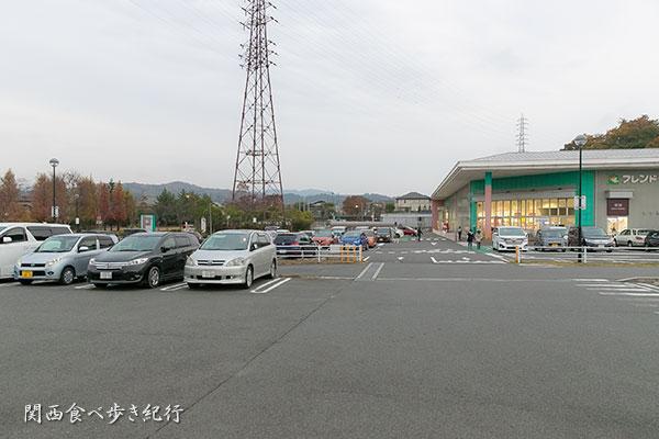 プロムナード青山の駐車場