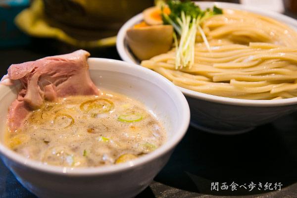 サバ濃厚鶏つけ麺