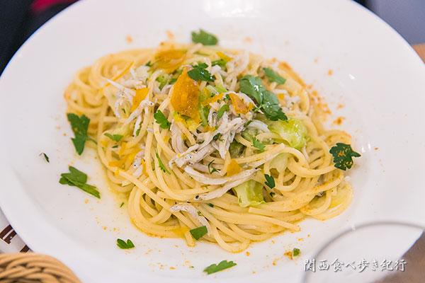 釜揚げシラスと春キャベツのアーリオオーリオ スパゲッティ