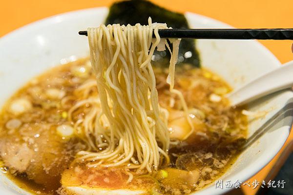博多中華そばを食べる