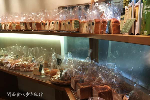 食パンの売り場