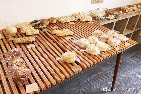 天然酵母パン mintの店内パン販売