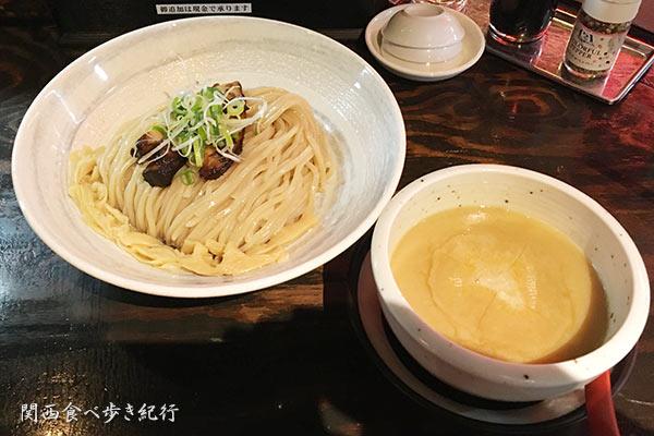 蟹白湯つけ麺
