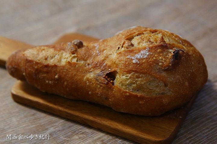 無花果と古桃のプチパン