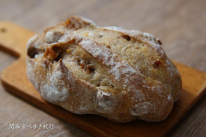 ラ・フルネのクルミパン