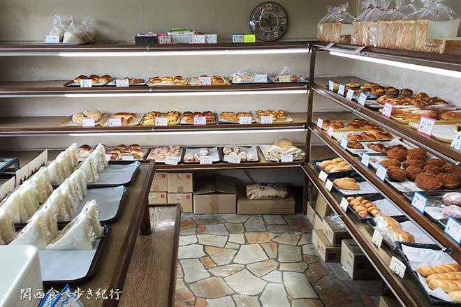 リブランの店内のパン販売